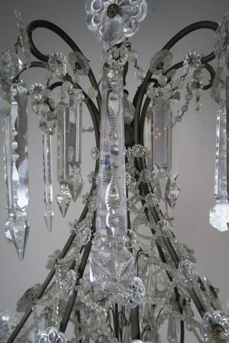 French Louis XV Style Crystal Chandelier, circa 1940s For Sale 1