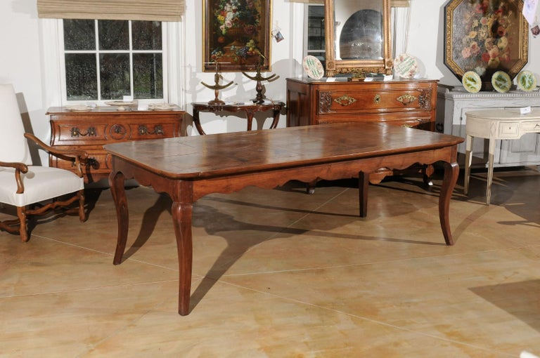 French Louis XV Style Custom Dining Table from Lyon with Parquetry Inlaid Top In Good Condition In Atlanta, GA