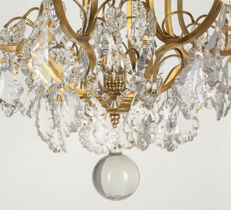 French Louis XV Style Eight-Light Crystal Chandelier For Sale 1