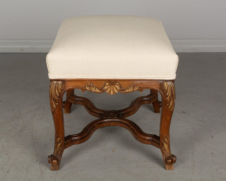 French Louis XV Style Foot Stool or Bench In Good Condition For Sale In Winter Park, FL