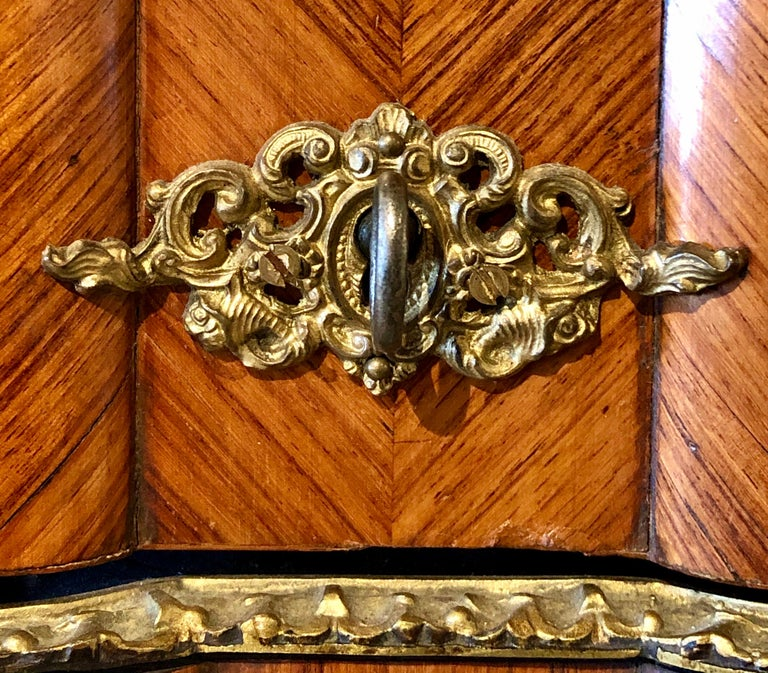 French Louis XV Style Gilt Metal Mounted Tantalus / Bar For Sale 4