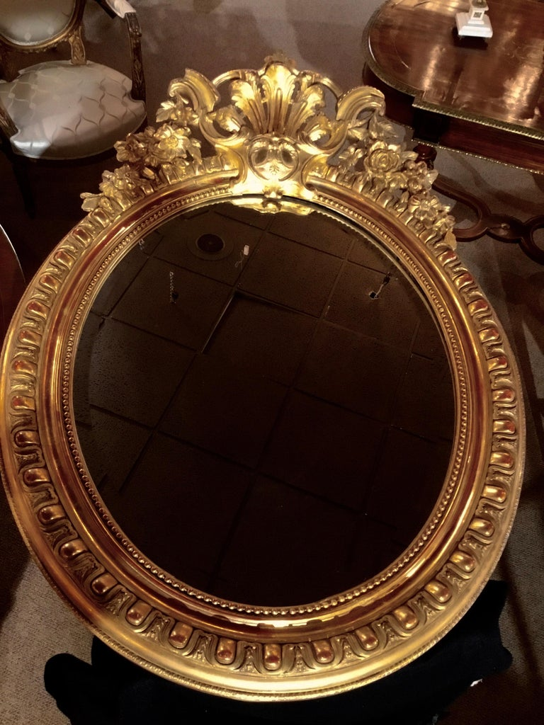 French Louis XV-Style Giltwood Oval Beveled Mirror, 19th Century For Sale 3