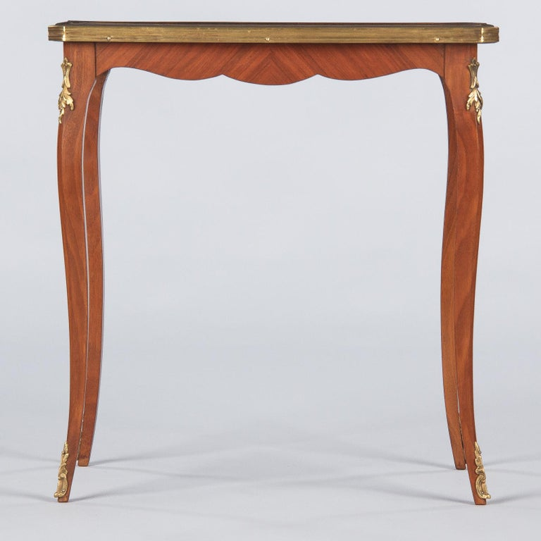 French Louis XV Style Cherry Wood and Marble-Top Side Table, 1940s For Sale 5