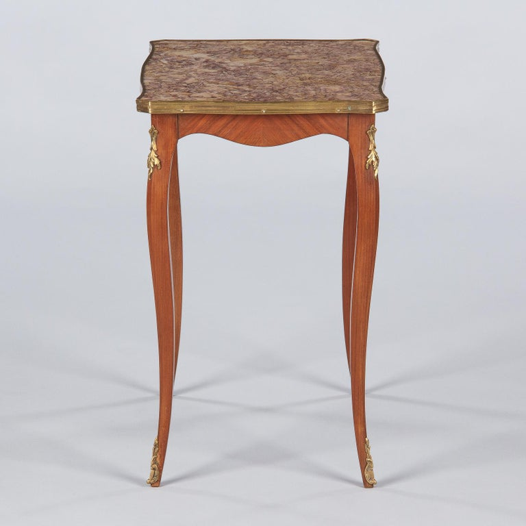 French Louis XV Style Cherry Wood and Marble-Top Side Table, 1940s For Sale 2