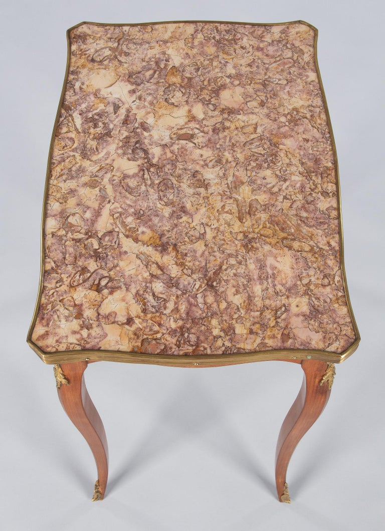 French Louis XV Style Cherry Wood and Marble-Top Side Table, 1940s For Sale 3