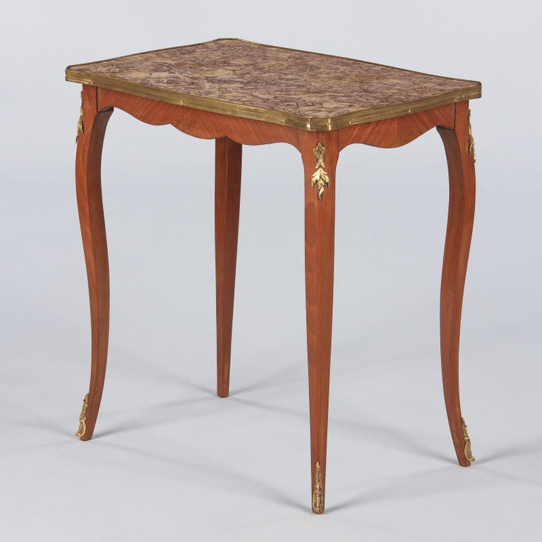 French Louis XV Style Cherry Wood and Marble-Top Side Table, 1940s For Sale 4