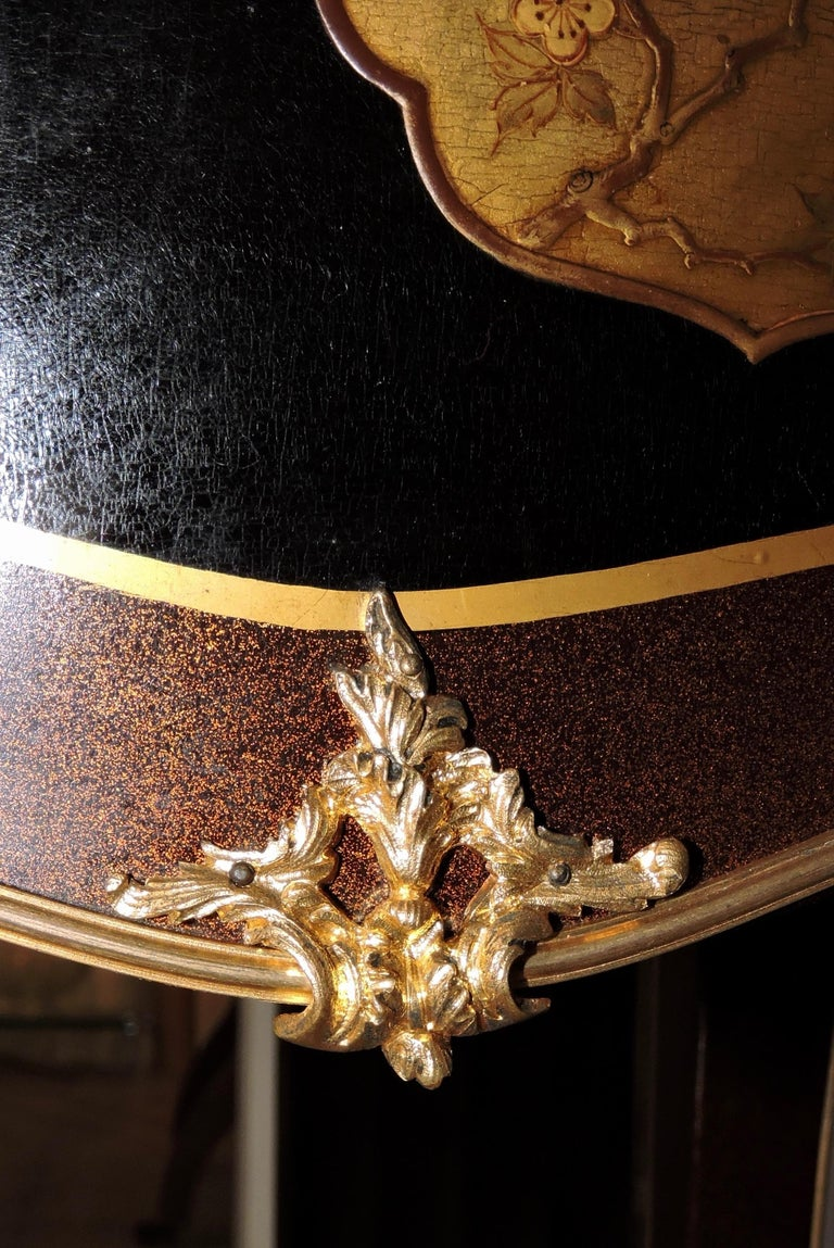 French Louis XV Style Ormolu-Mounted and Lacquered Table à Écrire, circa 1880 For Sale 8