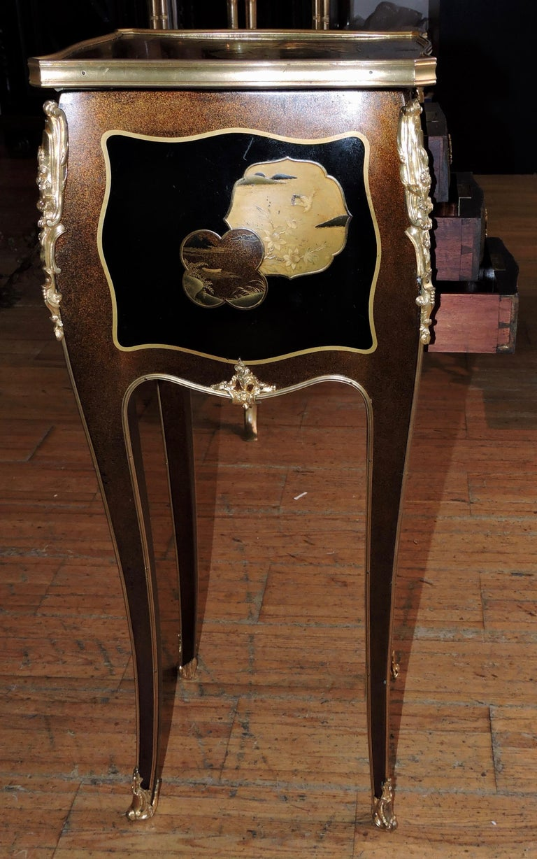 French Louis XV Style Ormolu-Mounted and Lacquered Table à Écrire, circa 1880 For Sale 11