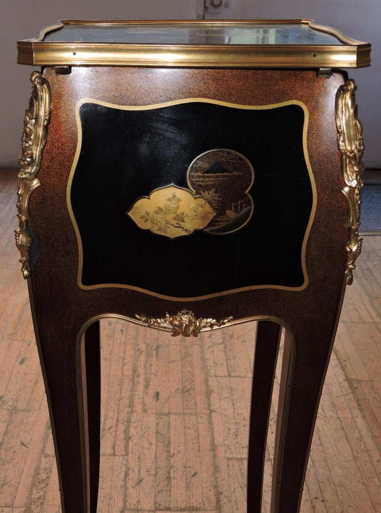 French Louis XV Style Ormolu-Mounted and Lacquered Table à Écrire, circa 1880 For Sale 12