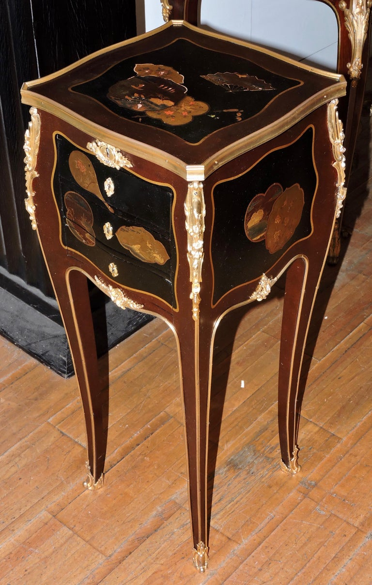 French Louis XV Style Ormolu-Mounted and Lacquered Table à Écrire, circa 1880 In Good Condition For Sale In Saint-Ouen, FR