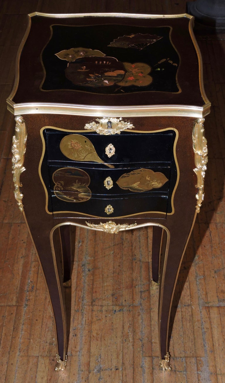 French Louis XV Style Ormolu-Mounted and Lacquered Table à Écrire, circa 1880 For Sale 3