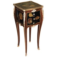French Louis XV Style Ormolu-Mounted and Lacquered Table à Écrire, circa 1880