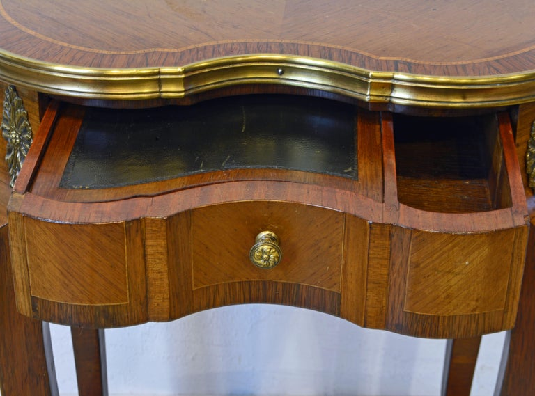 French Louis XV Style Ormolu Mounted Kidney Shape Table with Writing Compartment In Good Condition For Sale In Ft. Lauderdale, FL