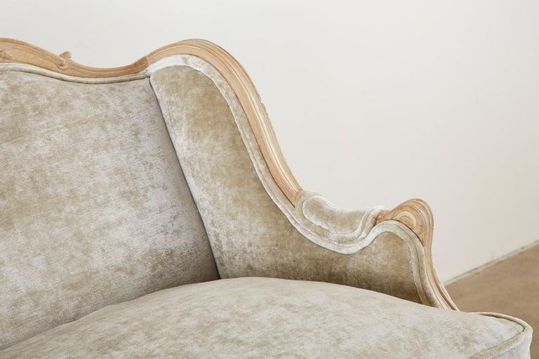 French Louis XV Style Velvet Canapé à Oreilles Sofa For Sale 6