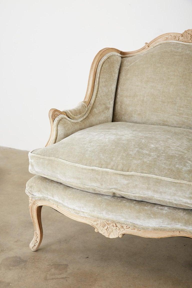 French Louis XV Style Velvet Canapé à Oreilles Sofa For Sale 4