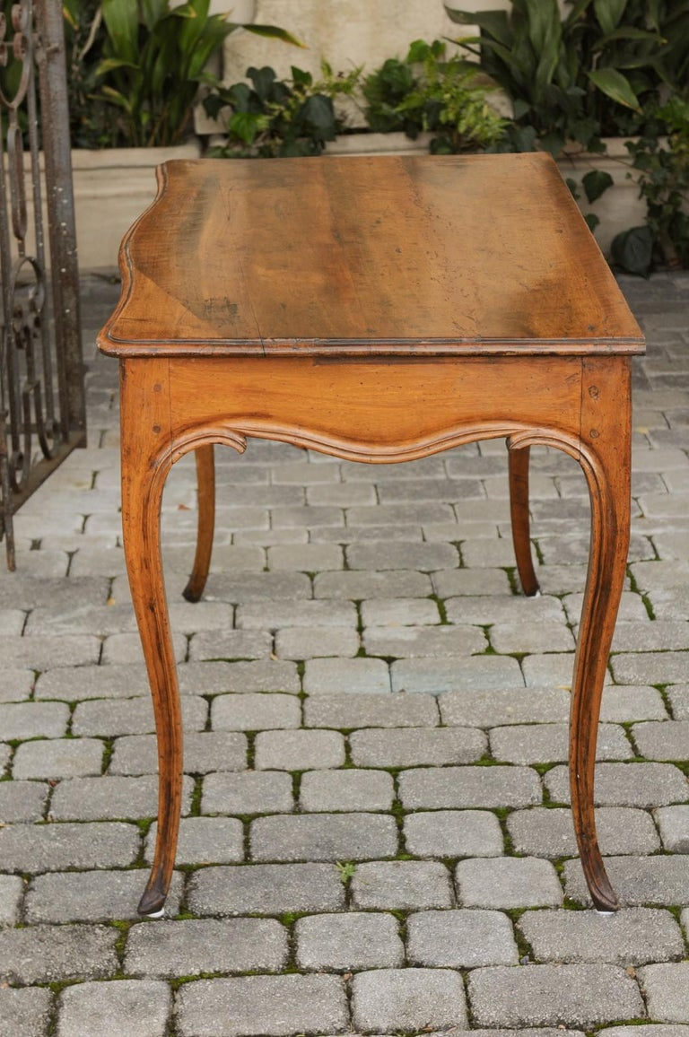 French Louis XV Style Walnut Console Table with Cabriole Legs, circa 1820 For Sale 7