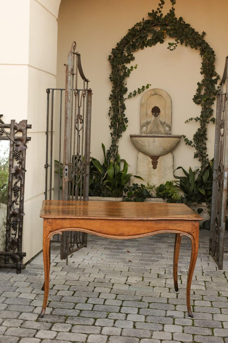 19th Century French Louis XV Style Walnut Console Table with Cabriole Legs, circa 1820 For Sale