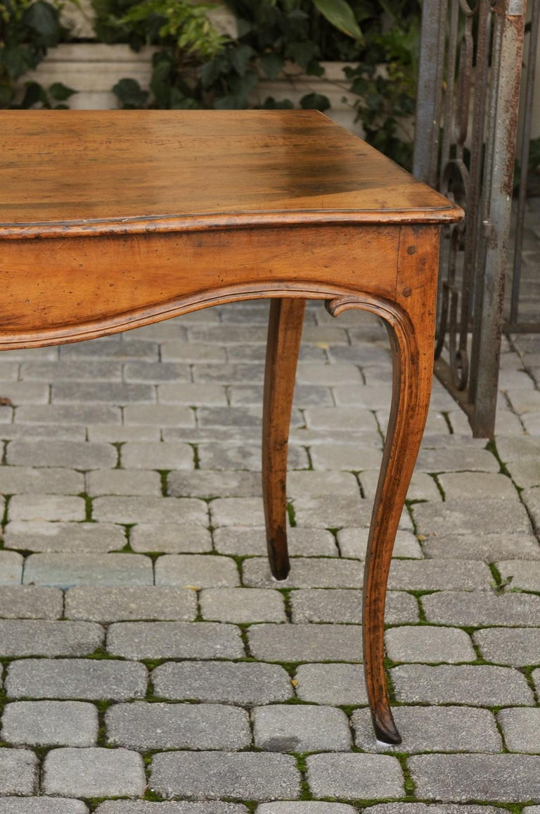 French Louis XV Style Walnut Console Table with Cabriole Legs, circa 1820 For Sale 2