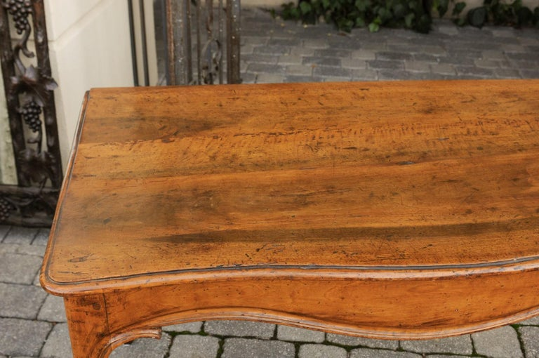 French Louis XV Style Walnut Console Table with Cabriole Legs, circa 1820 For Sale 3