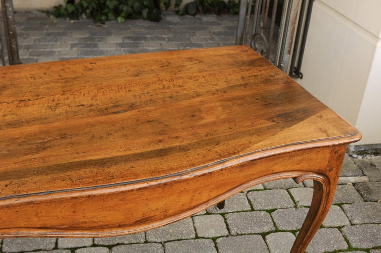 French Louis XV Style Walnut Console Table with Cabriole Legs, circa 1820 For Sale 4