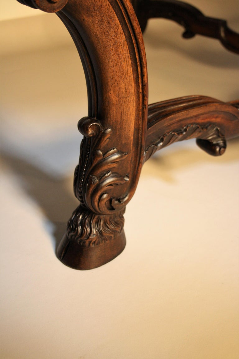 French Louis XV Walnut Hand-Carved Table, 19th Century For Sale 5