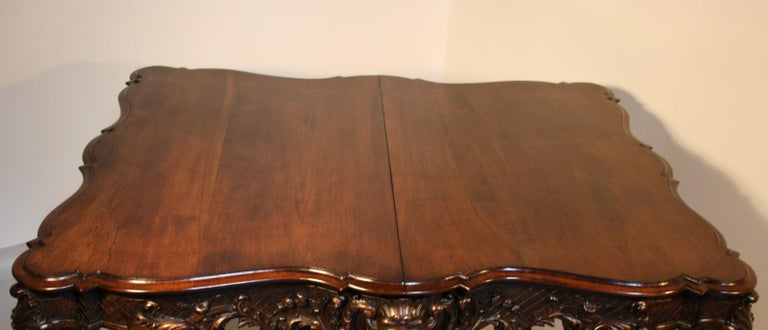 French Louis XV Walnut Hand-Carved Table, 19th Century For Sale 7