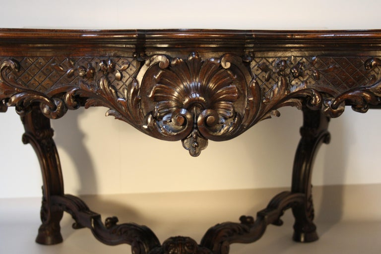 French Louis XV Walnut Hand-Carved Table, 19th Century For Sale 2