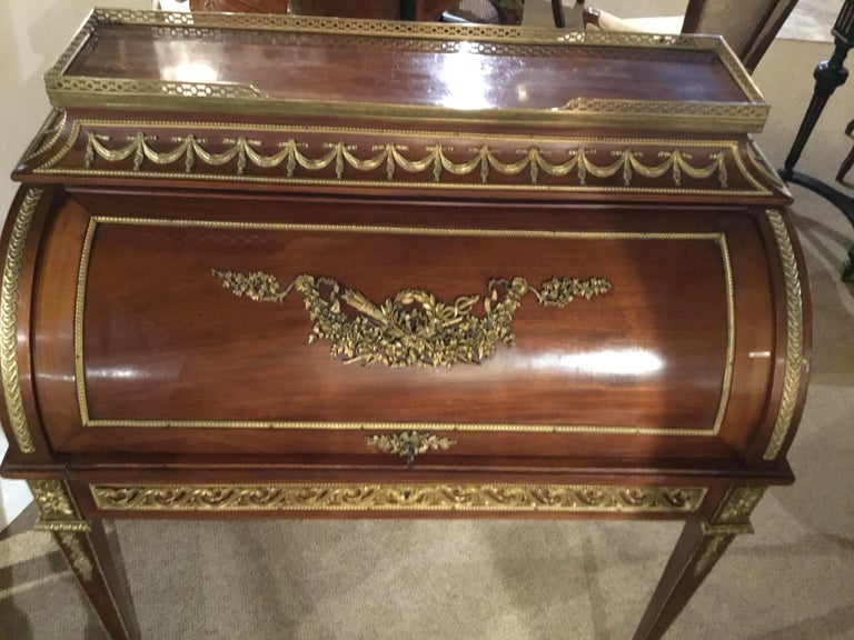 French Louis XVI Bureau a Cylindre, Mahogany and Gilt Bronze Mounts For Sale 3