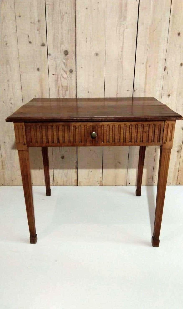 French Louis XVI Light Walnut Table, Mid-18th Century For Sale 4