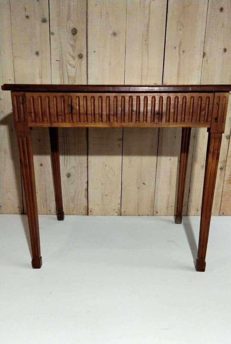 French Louis XVI Light Walnut Table, Mid-18th Century For Sale 3