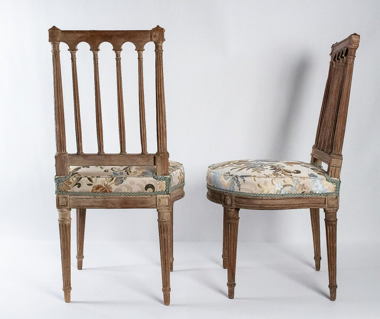 French Louis XVI Period, Pair of Chairs in Lacquered Beechwood, circa 1780 For Sale 5