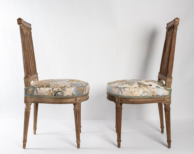 French Louis XVI Period, Pair of Chairs in Lacquered Beechwood, circa 1780 For Sale 6