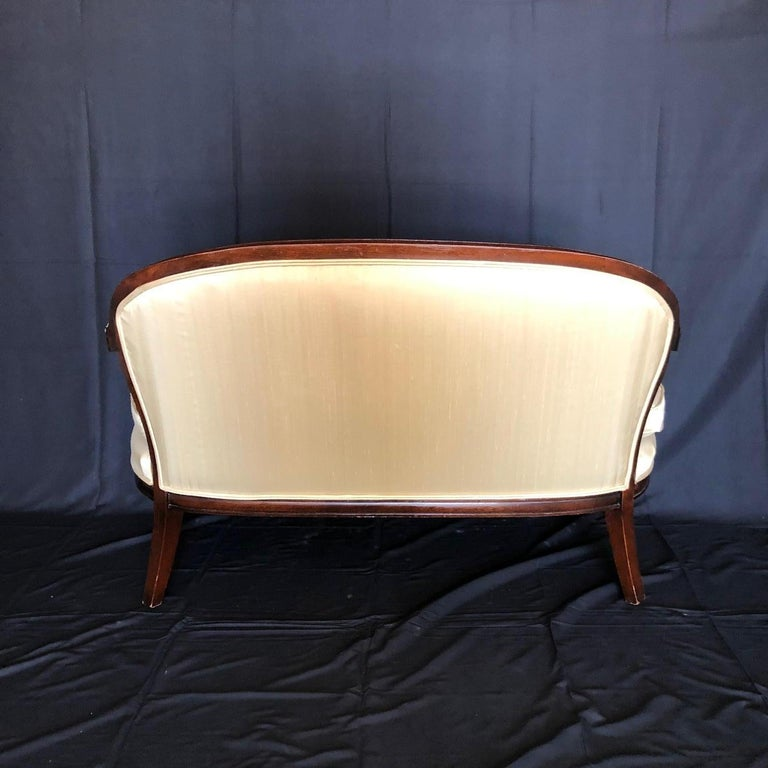 Mid-20th Century French Louis XVI Silk and Mahogany Loveseat Settee Sofa For Sale