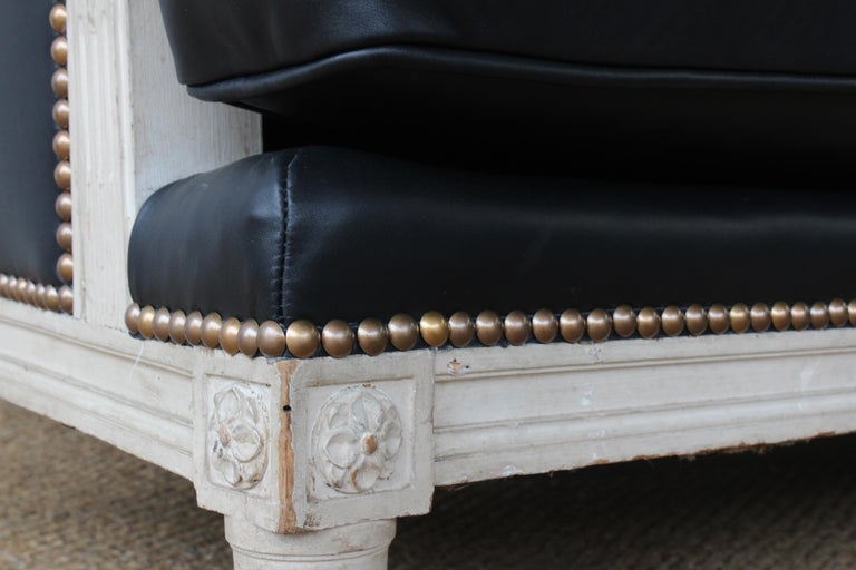 French Louis XVI Sofa in Leather For Sale 4