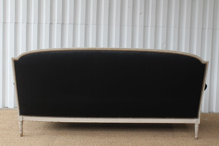 French Louis XVI Sofa in Leather In Good Condition For Sale In Los Angeles, CA