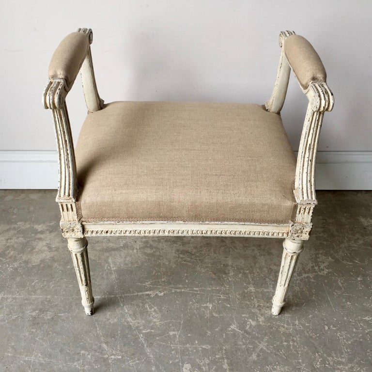 French Louis XVI Style Banquette In Good Condition For Sale In Charleston, SC