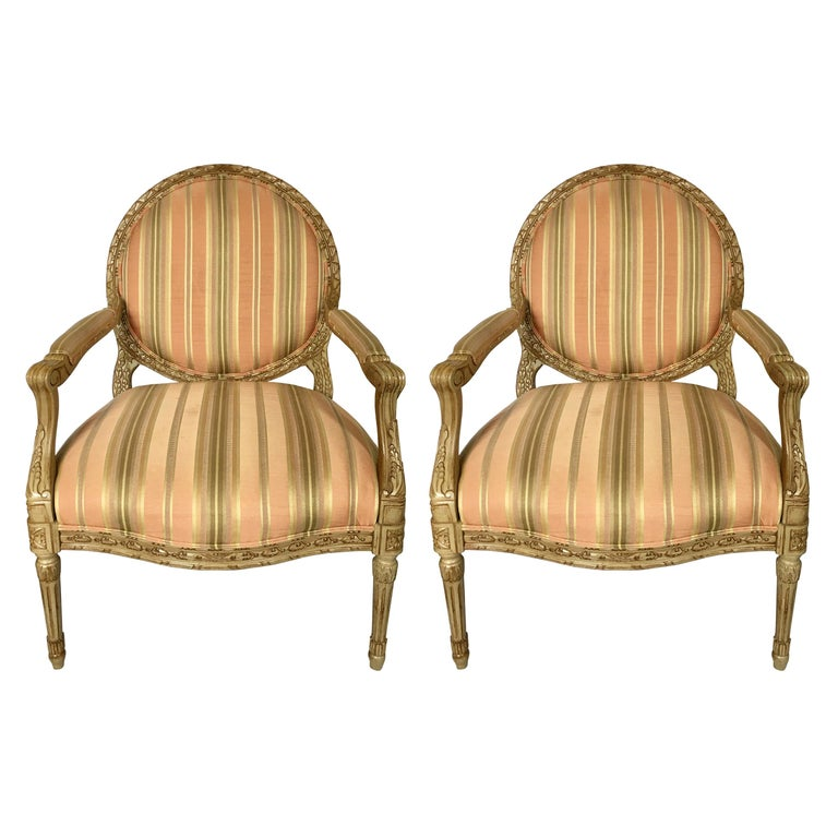French Louis XVI Style Carved Fauteuil Bergère Armchairs by Henredon, Pair For Sale