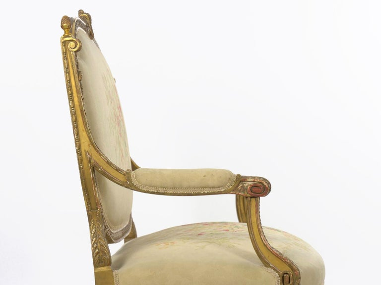 French Louis XVI Style Carved Giltwood Antique Settee Loveseat Sofa 20th Century For Sale 6