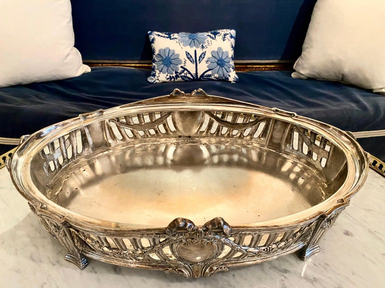 French Louis XVI Style Centerpiece in Silvered Bronze, 19th Century For Sale 9