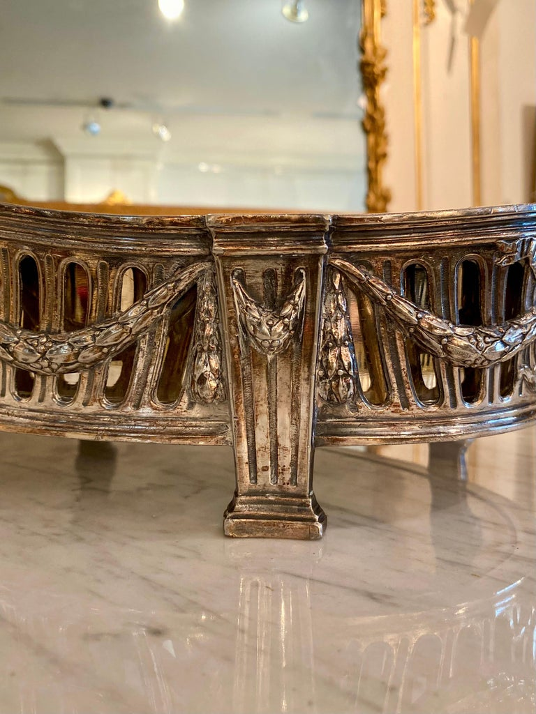 French Louis XVI Style Centerpiece in Silvered Bronze, 19th Century For Sale 4
