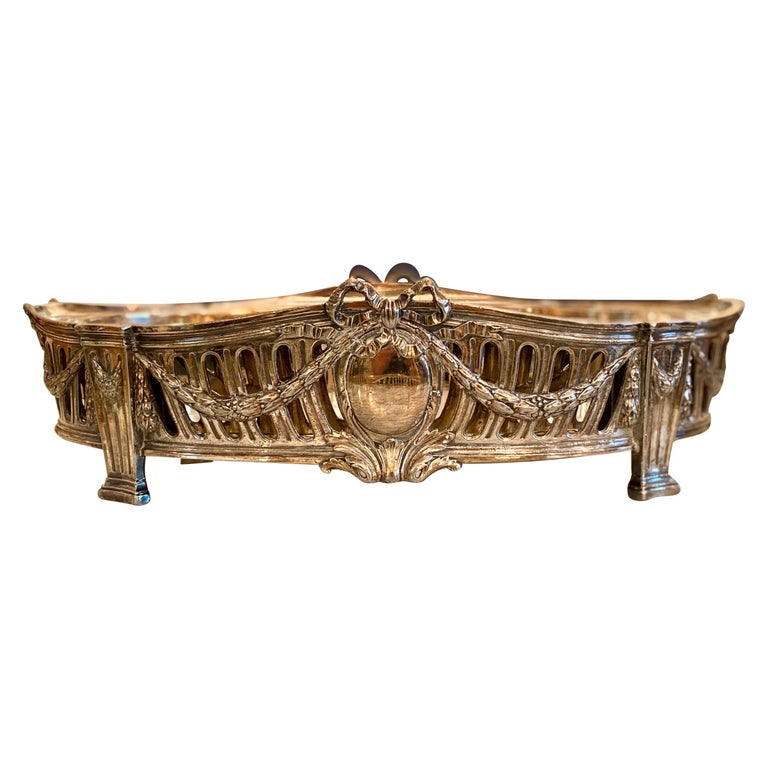 French Louis XVI Style Centerpiece in Silvered Bronze, 19th Century For Sale