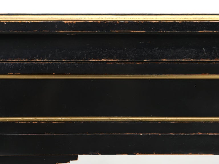 French Louis XVI Style Desk in Black Lacquer and Black Leather For Sale 6