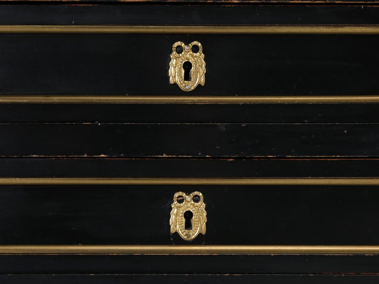 French Louis XVI Style Desk in Black Lacquer and Black Leather For Sale 8