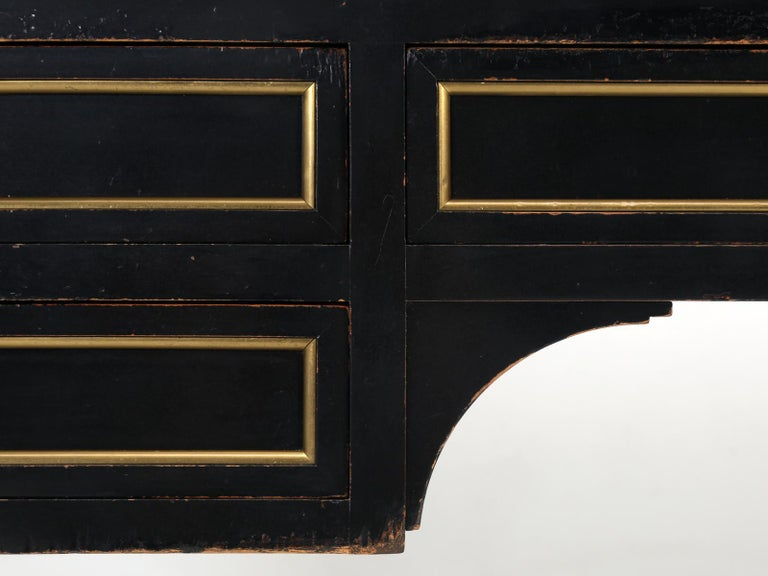 French Louis XVI Style Desk in Black Lacquer and Black Leather For Sale 9