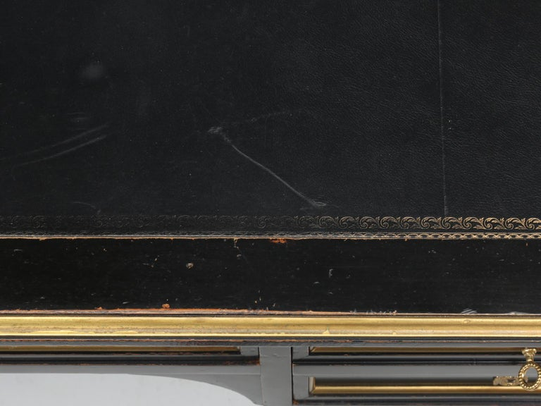 Mid-20th Century French Louis XVI Style Desk in Black Lacquer and Black Leather For Sale