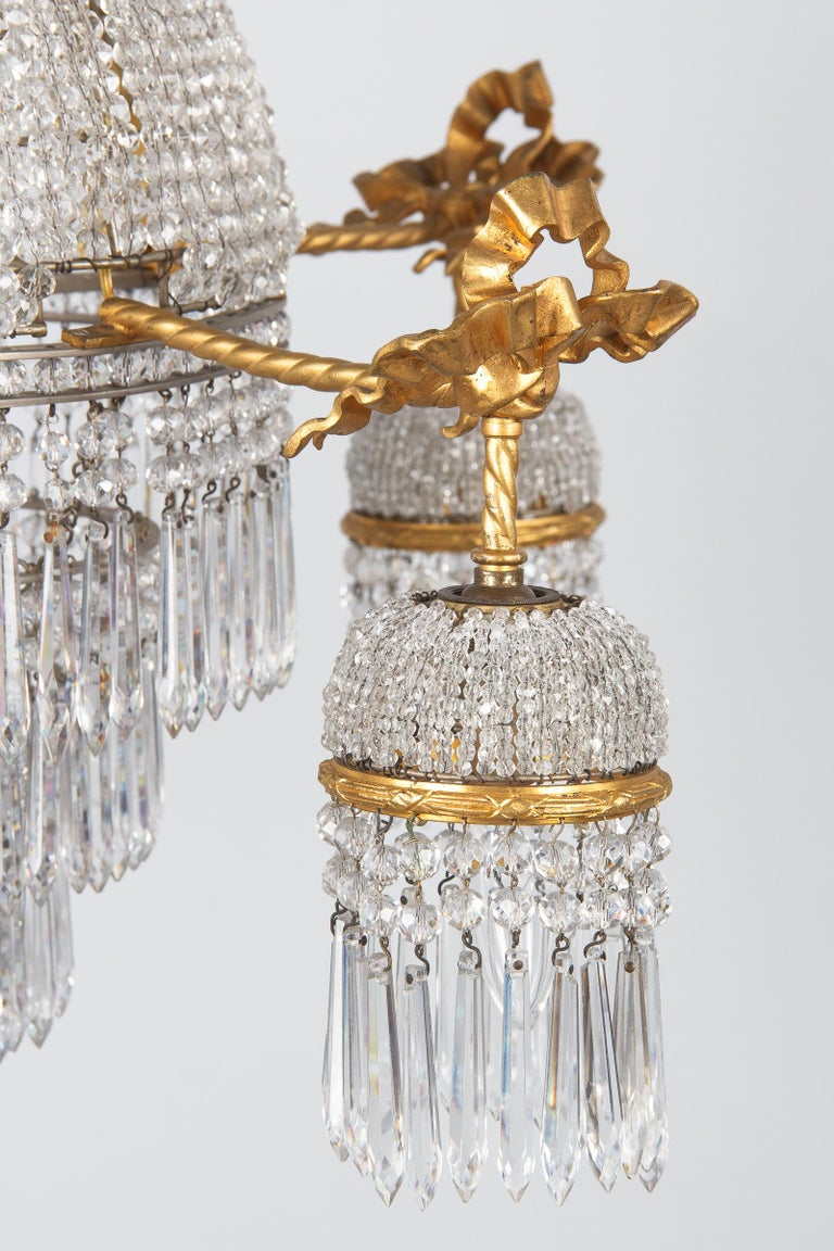 French Louis XVI Style Gilded Bronze and Crystal 5-Light Chandelier, 1900s For Sale 3