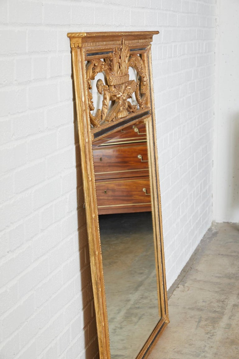French Louis XVI Style Giltwood Mirror by Friedman Brothers For Sale 3