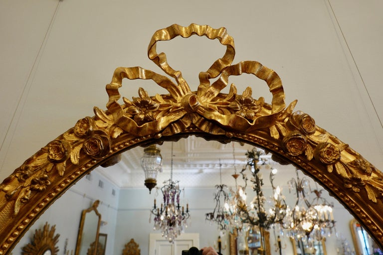 French Louis XVI Style Giltwood Mirror with Large Carved Bow Cartouche For Sale 5