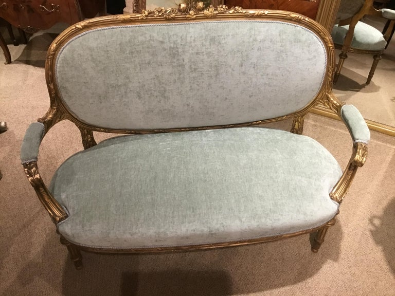 French Louis XVI-Style Giltwood Settee or Loveseat, New Upholstery In Good Condition For Sale In Houston, TX
