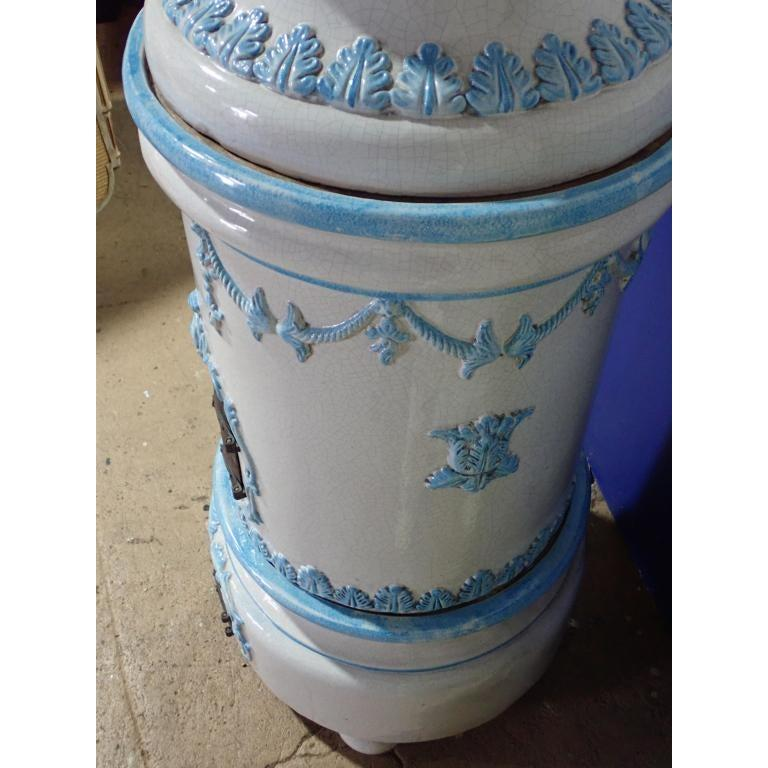 French Louis XVI Style Blue and White Glazed Ceramic Kachelofen Stove  For Sale 1